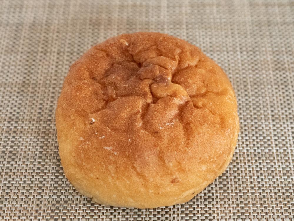 アシェット:笠岡産もち麦の塩バターパン