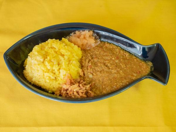スパイス&カレー アモン 〜 こだわりスパイスカレーは辛さをおさえつつ風味も楽しめる。民家のようなくつろげる店内も魅力