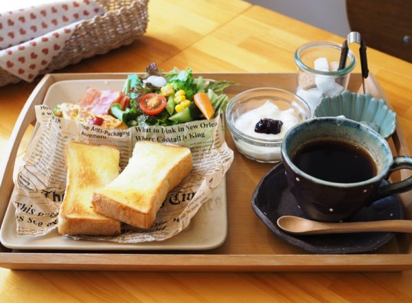 コモドカフェ ~ 野菜たっぷりメニューがうれしい、柔らかな時間が流れる和みカフェ