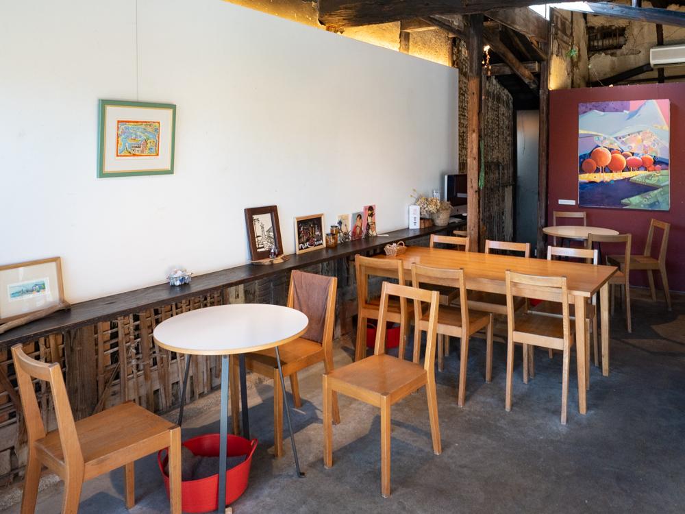 a cafe:店内
