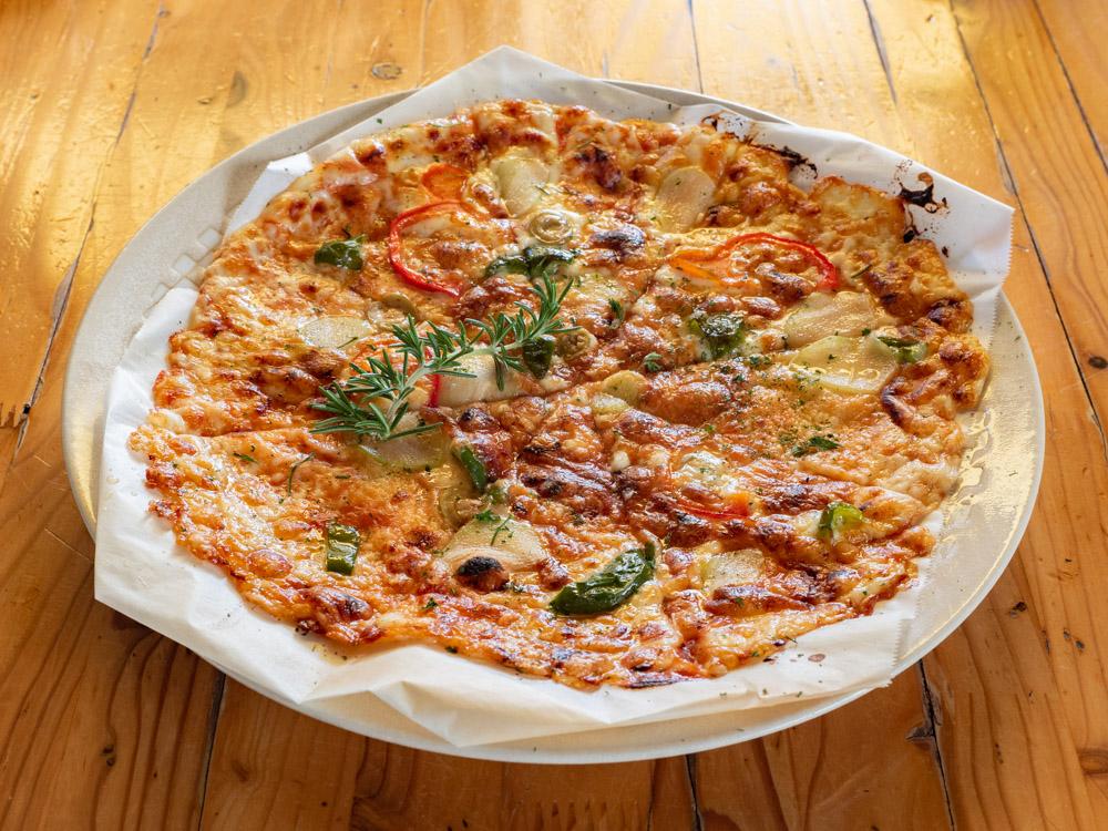 アップルスパイス:ガーリックピザ