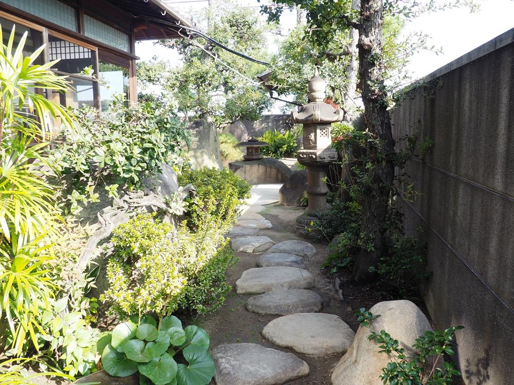 鞆の浦・燧冶 中庭