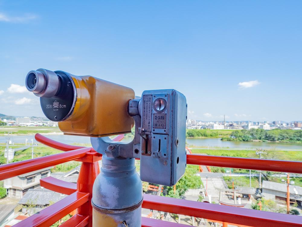草戸稲荷神社:本殿上の望遠鏡