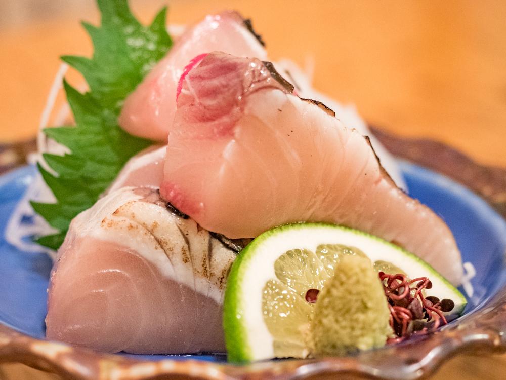 栄清丸:サワラの炙り刺し