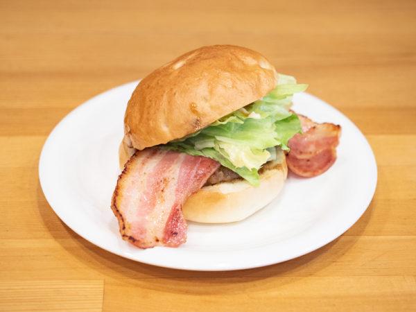 ジョン・バーガー&カフェ 〜 安心の食材にこだわったハンバーガーは家族で手づくり。ライブや貸切パーティーも楽しめる店