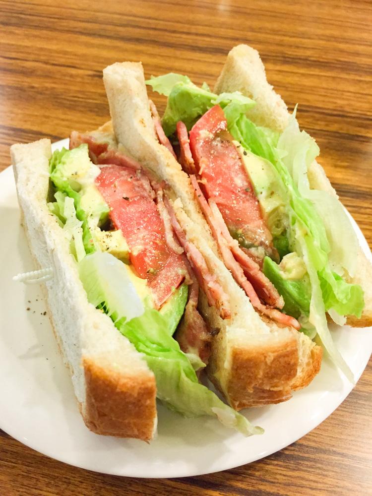 ジョンバーガー&カフェ:ベジタブルサンドイッチ