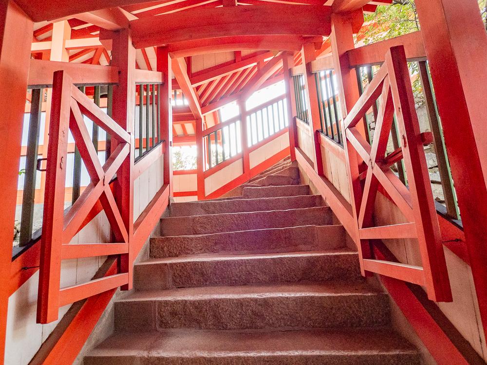 阿伏兎観音:観音堂への階段