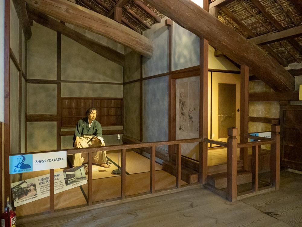 いろは丸展示館:龍馬の隠れ部屋の再現