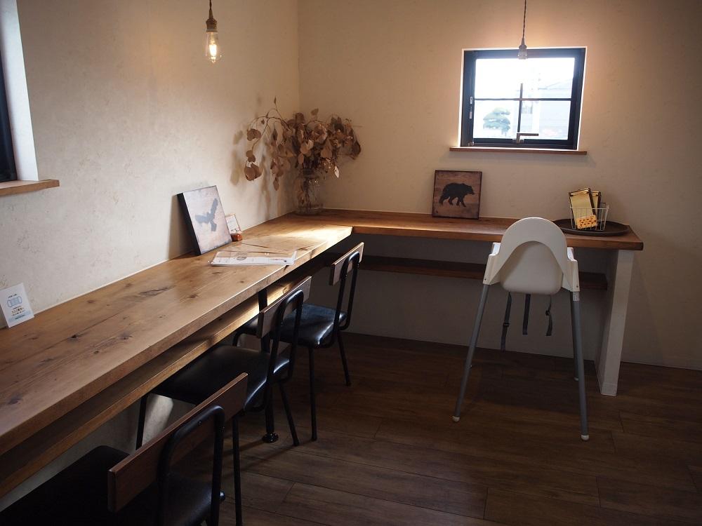 nijiiro喫茶。2階