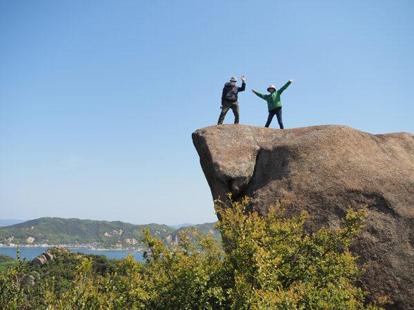 笠岡諸島 白石島トレッキング ~ 巨石と瀬戸内海の絶景に出会う山歩き