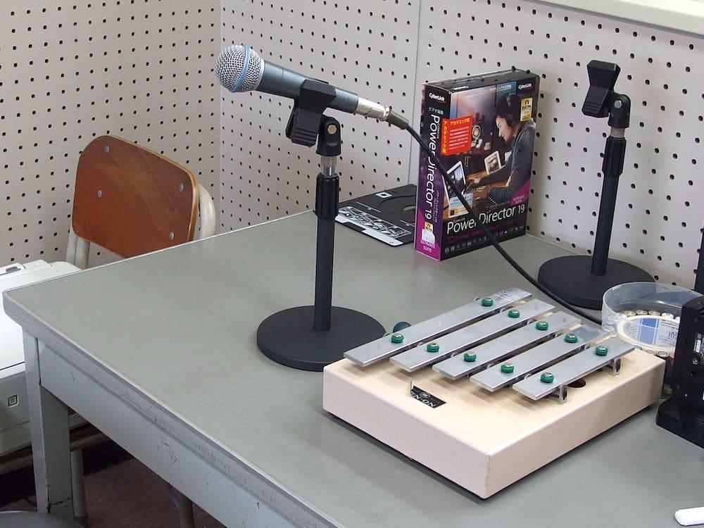 誠之館高校放送部の放送室