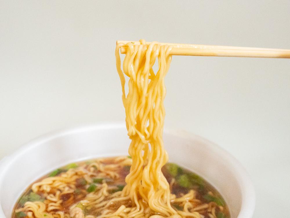 カップ笠岡ラーメン:麺